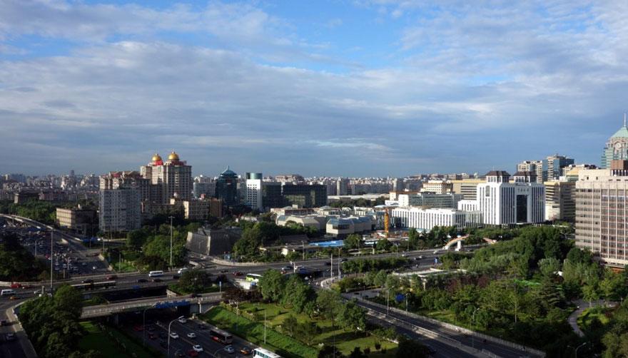 В Пекине приостановили работу заводов и автомобильное движение, чтобы показать жителям чистое небо-10
