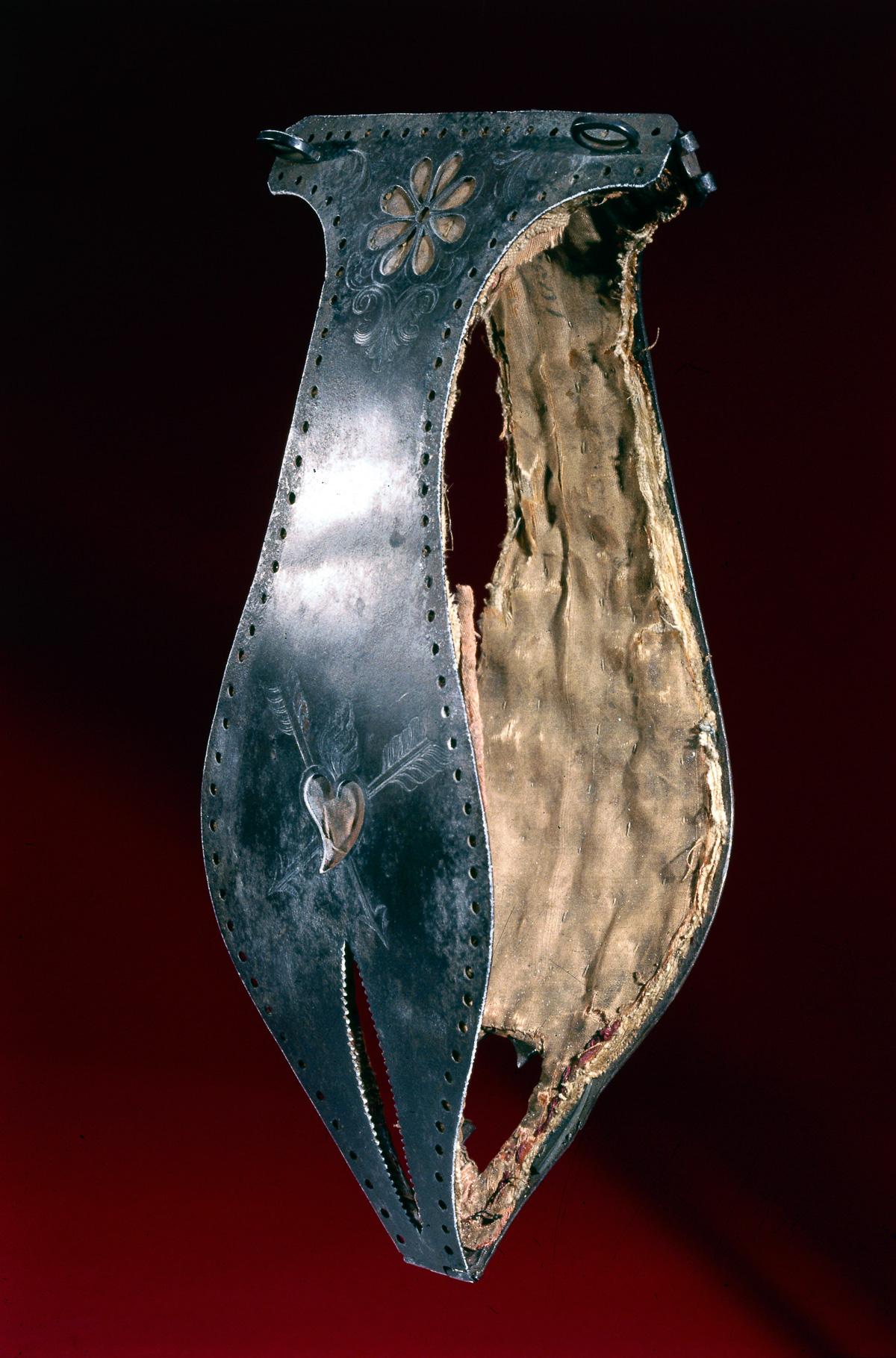 Решетка верности для мужчин из металла ef cb3000d 3 фотография