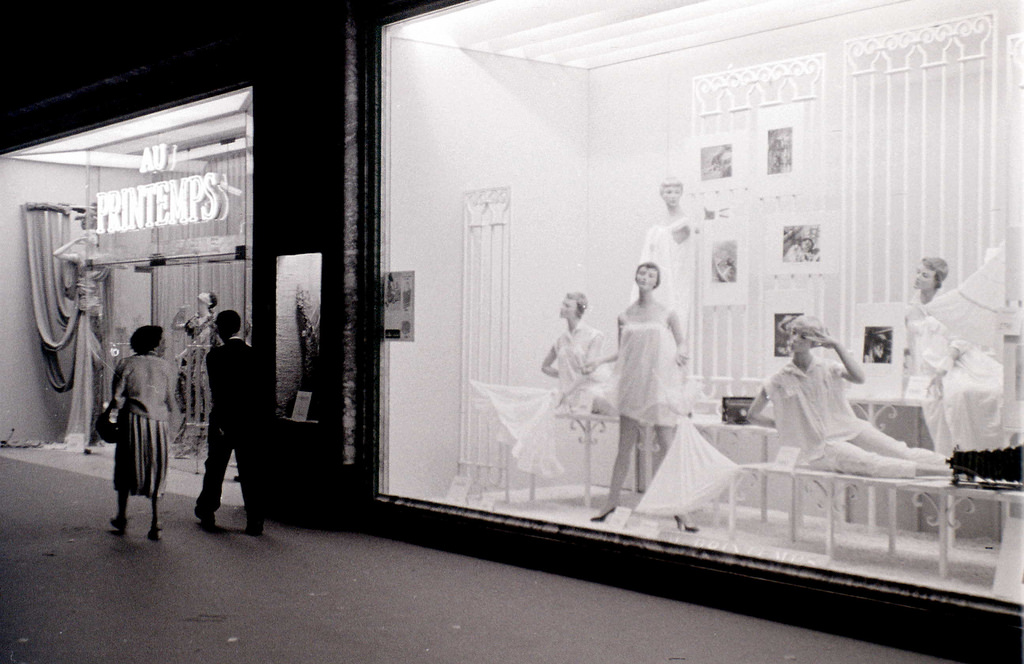 На экскурсию в Париж: столица Франции в объективе фотографа-любителя в 1955 году 31