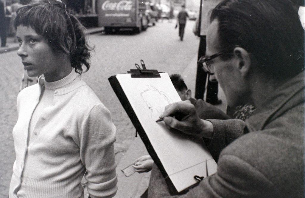 На экскурсию в Париж: столица Франции в объективе фотографа-любителя в 1955 году 44