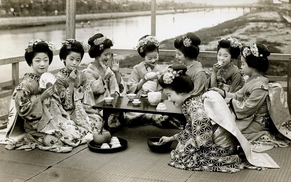 geyshi mayko foto 1