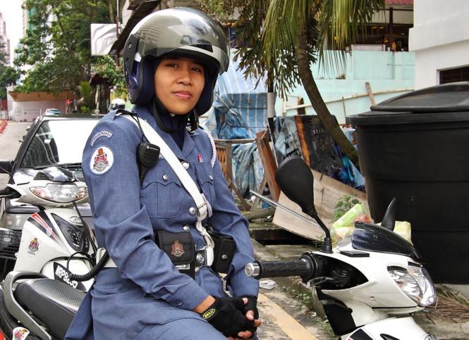 krasivye devushki politseyskie 10