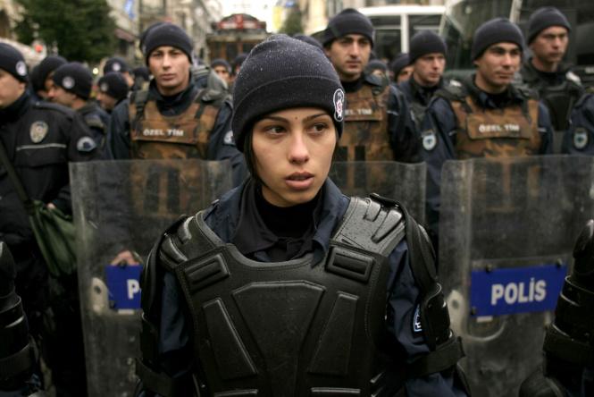 krasivye devushki politseyskie 14