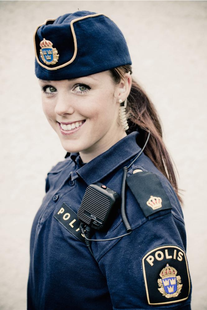 krasivye devushki politseyskie 2