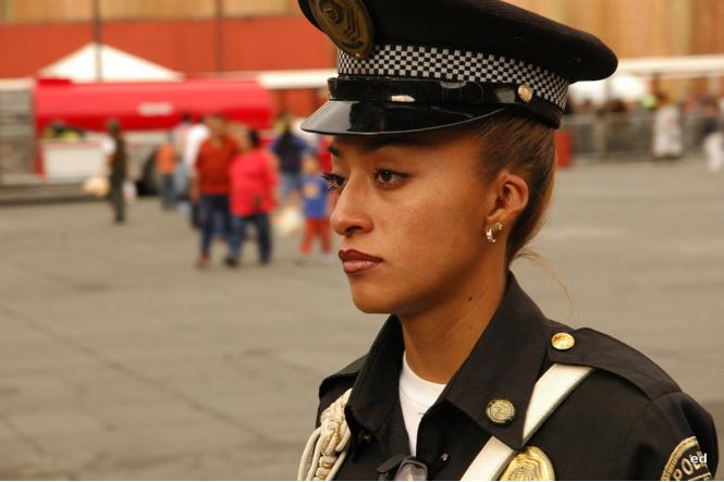 krasivye devushki politseyskie 8