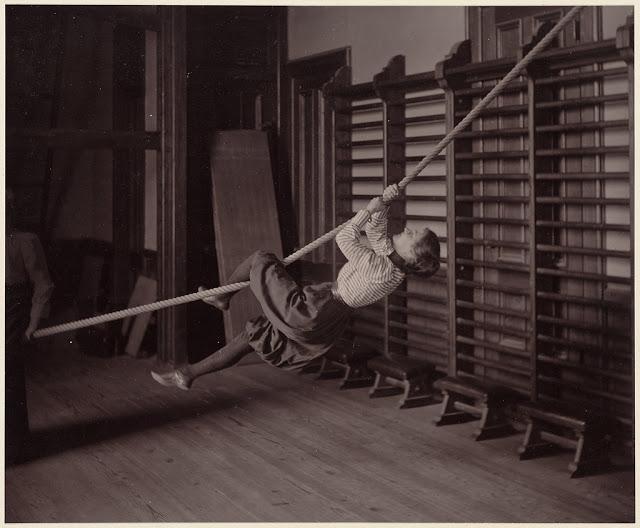 retro fotografii fizkultura v Bostone 20