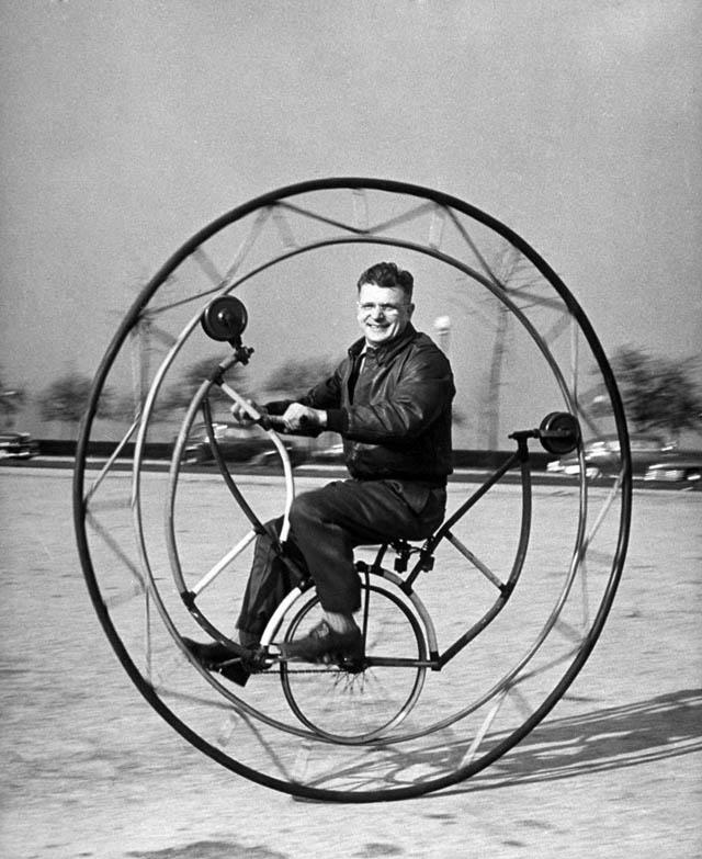 retro fotografii o strannyh velosipedah 12