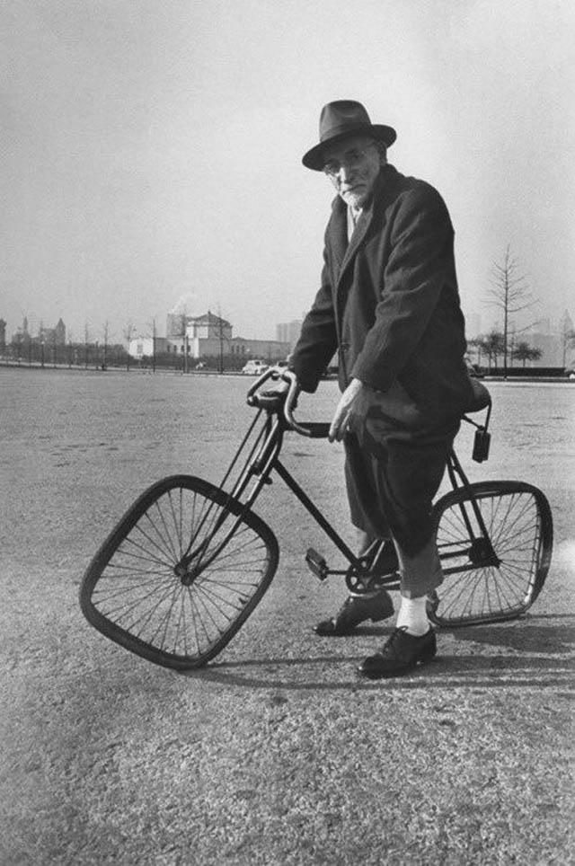 retro fotografii o strannyh velosipedah 13