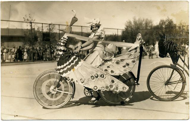 retro fotografii o strannyh velosipedah 18