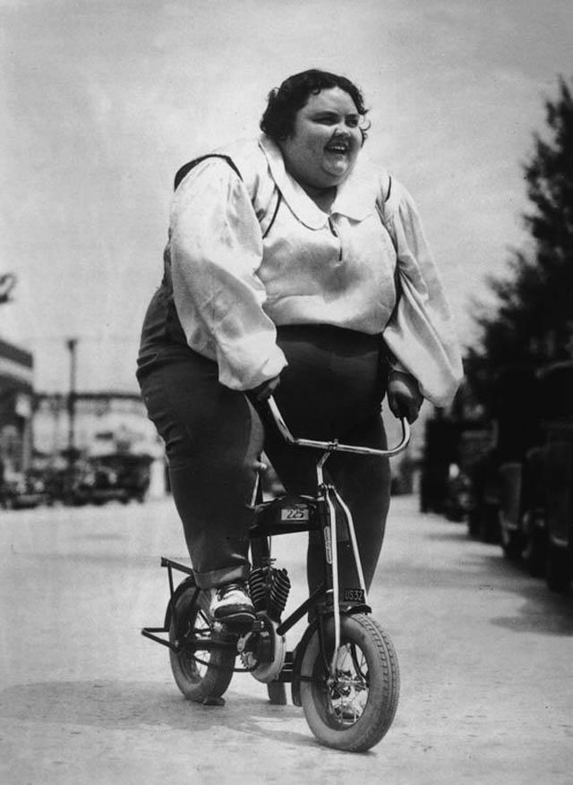 retro fotografii o strannyh velosipedah 2