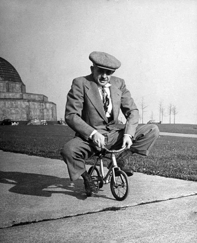 retro fotografii o strannyh velosipedah 21