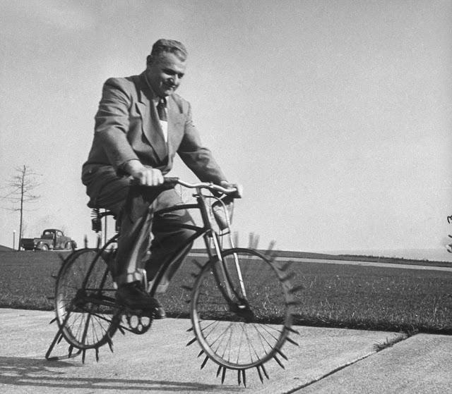 retro fotografii o strannyh velosipedah 24