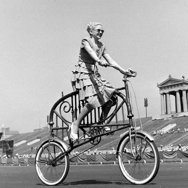 retro fotografii o strannyh velosipedah 4