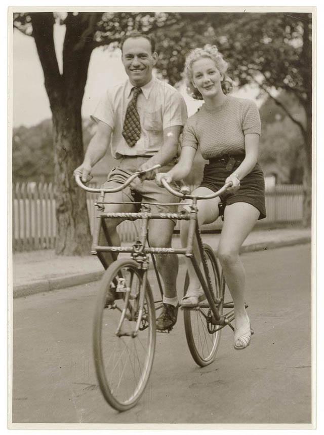 retro fotografii o strannyh velosipedah 9