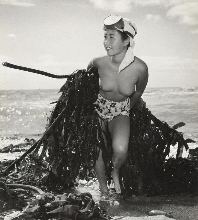 «Женщины моря». Фотограф Ивасе Ёсиюки 16