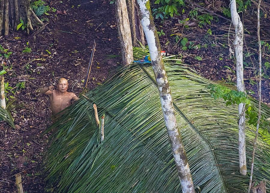 Неизвестное племя в джунглях Амазонии 7
