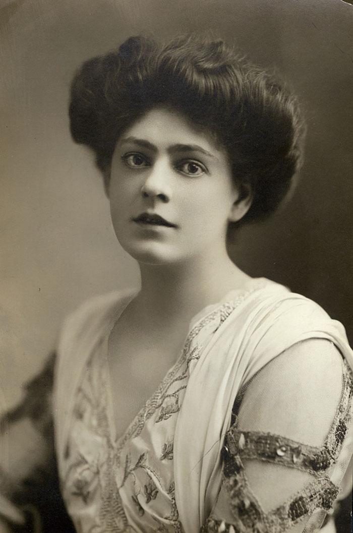 Самые красивые женщины 1900-х годов 14