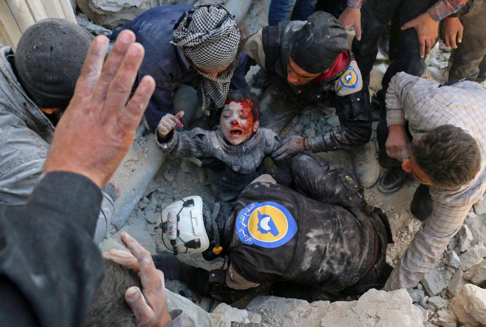 Спасаясь от завалов, Алеппо, Сирия - 10