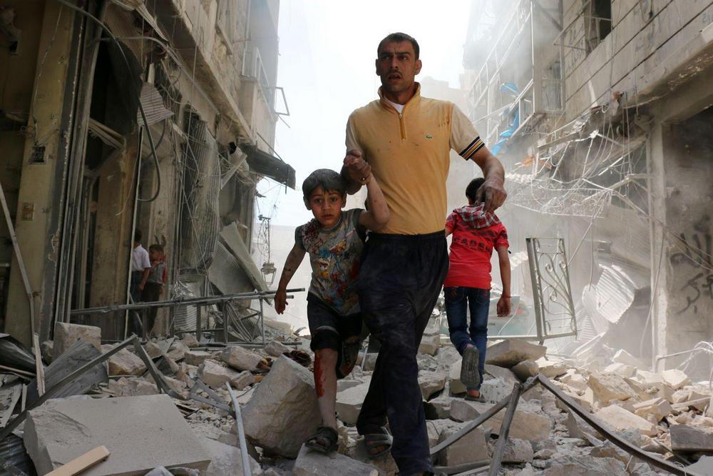 Спасаясь от завалов, Алеппо, Сирия - 3