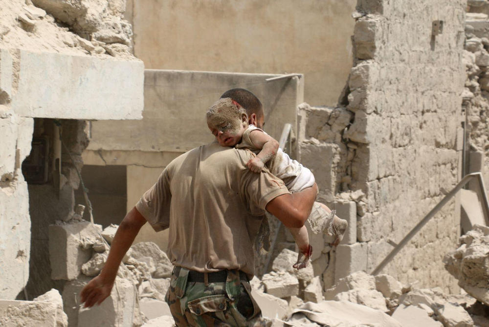Спасаясь от завалов, Алеппо, Сирия - 6