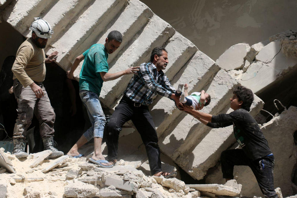 Спасаясь от завалов, Алеппо, Сирия - 9
