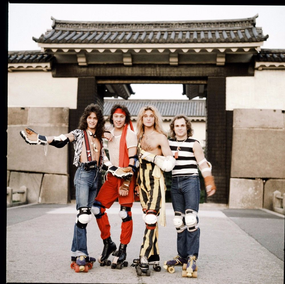 Like Led Zeppelin, Queen, David Bowie and other rock stars traveled around Japan in the 1970s and 80s 3