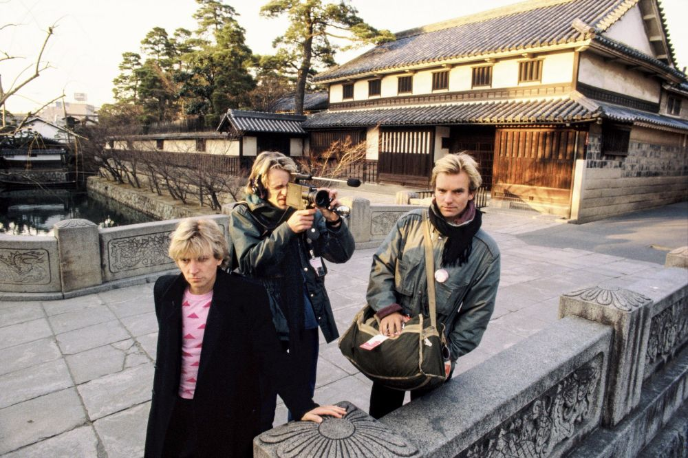 "Like ""Led Zeppelin"", ""Queen"", David Bowie and other rock stars traveled around Japan in the 1970s and 80s 5"
