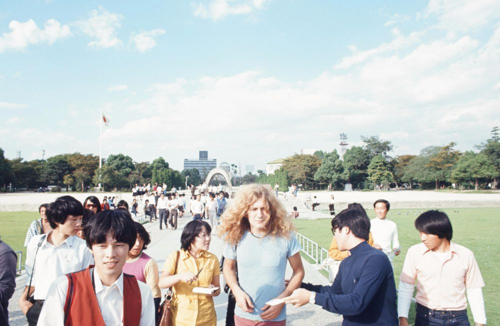 "Like ""Led Zeppelin"", ""Queen"", David Bowie and other rock stars traveled around Japan in the 1970s and 80s 6"