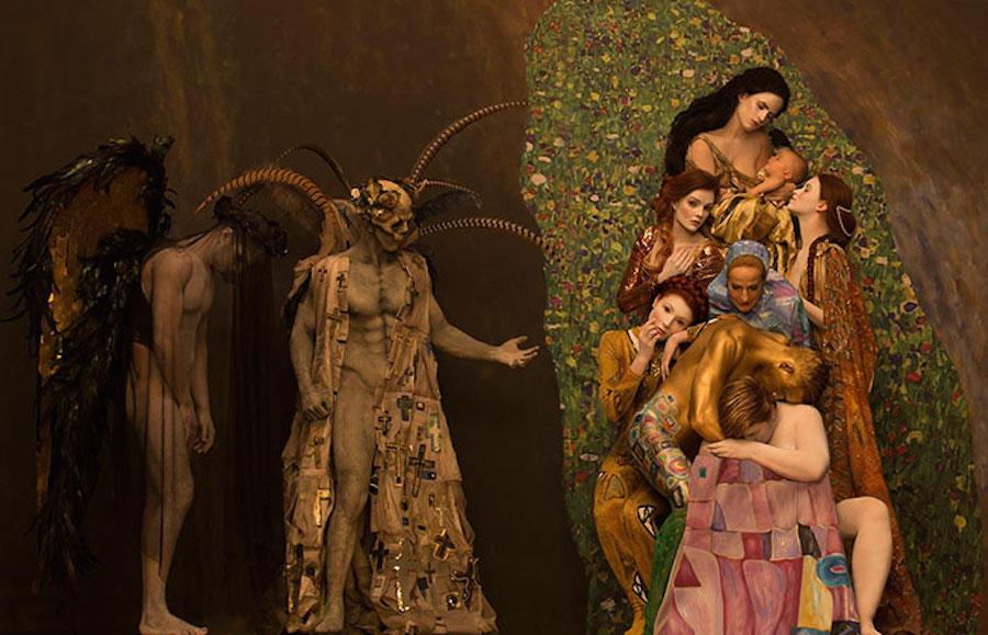 Фотограф Инге Прадер воссоздала золотые картины Густава Климта 10