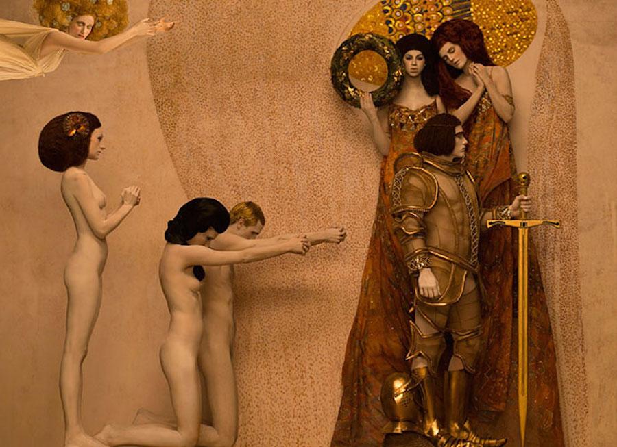 Фотограф Инге Прадер воссоздала золотые картины Густава Климта 2