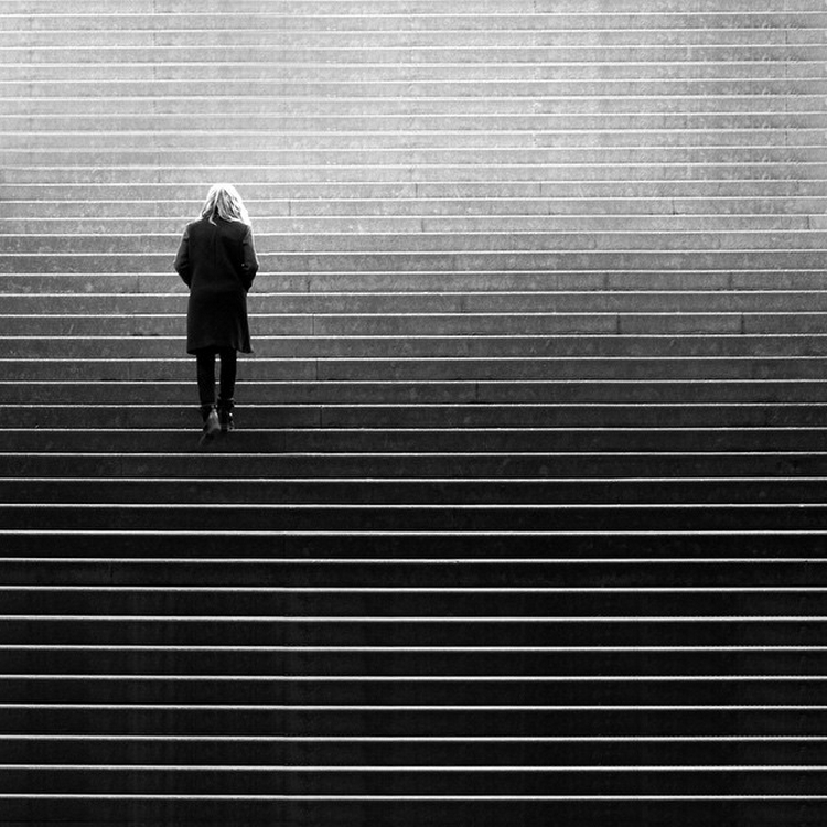 The play of light and shadows in the street shots Rui Veiga 13