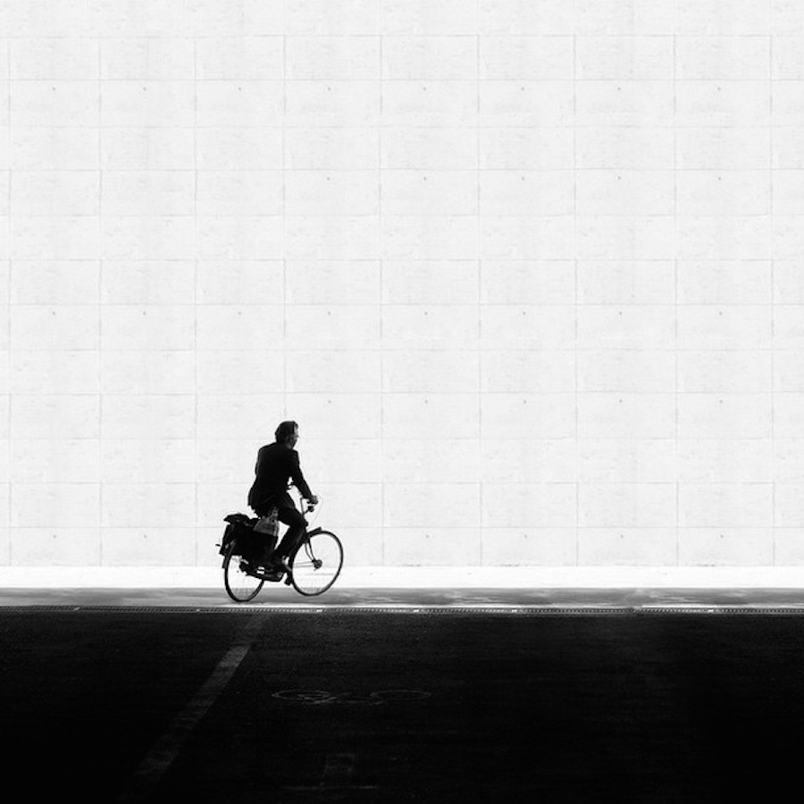 The play of light and shadows in the street shots Rui Veiga 18