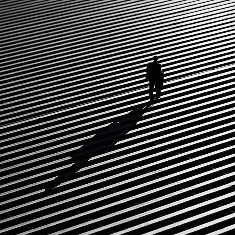 The play of light and shadows in the street shots Rui Veiga 22