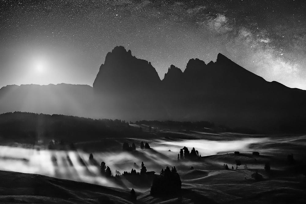 Победители конкурса чёрно-белой фотографии MonoVisions Photography Awards  13