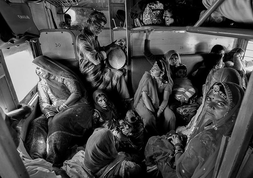 Победители конкурса чёрно-белой фотографии MonoVisions Photography Awards  35