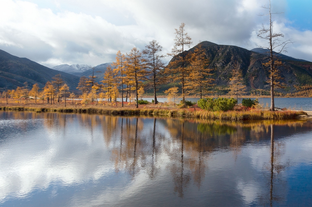 Осенняя Колыма, туманы Приморья, озёра и горы в пейзажных фотографиях Тони Андреевой 13
