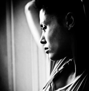 """""""Набраться жизненного опыта в пределах возможного, используя фотографию как инструмент."""" - Нассия Капа"""