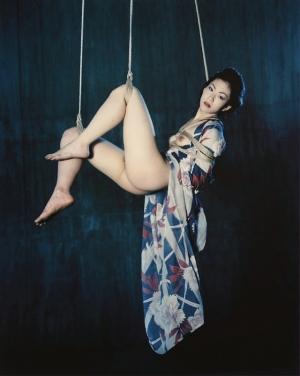 Нобуёси Араки – один из самых знаменитых и эпатажных фотографов в мире
