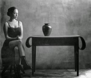 Чёрно-белые портретные, пейзажные и ню фотографии Кристиана Коиньи