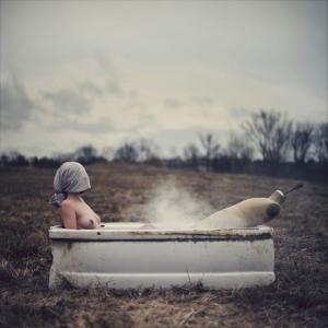 Кошмарные сны Николя Брюно в постановочных мистических фотографиях