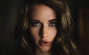 Красота во всём. Женские портреты Джея Рассела