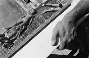 Парижское лето у бассейна. Горячие тела и интересные ракурсы в фотографиях Жиля Ригуле (1985)
