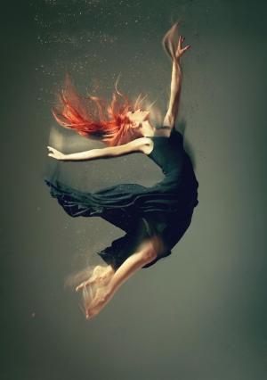 Фотографии, в которых танцоры растворяются в движениях