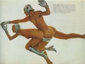 """Фотография из журнала PlayBoy 1975 года, посвященная стыковке космических кораблей """"Союз"""" и """"Аполлон"""""""