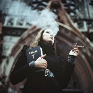 Коллекция портретов с сигаретным дымом