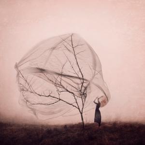 Концептуальные автопортреты от фотографа с фантастическим воображением