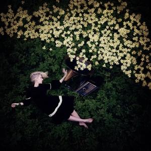 Концептуальные и танцевальные автопортреты Килли Спарр