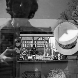 Загадочная Вивиан Майер: автопортреты легенды уличной фотографии, всю жизнь проработавшей няней