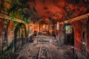 Эстетика заброшенных зданий в фотографиях Маттиаса Хакера