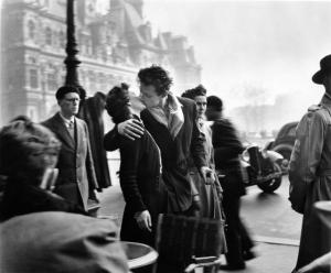 Мастер фотографии Робер Дуано. Непридуманная жизнь, поцелуи и вечная парижская весна